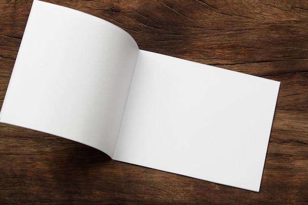 Blank portrait mock-up paper Premium Photo