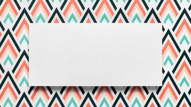 空白の結婚式招待状の封筒のモックアップ 無料写真