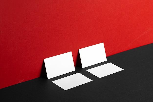 Пустые белые визитки Premium Фотографии