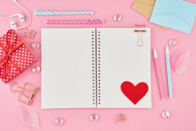 Blanthe concept of writing note, letters for valentine's day. notepad page in bullet journal Premium Photo