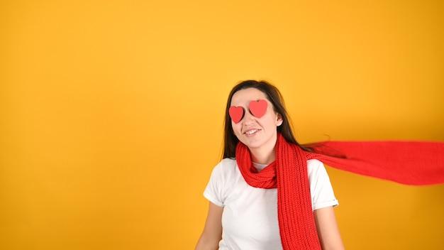 Слепая женская концепция любви Premium Фотографии