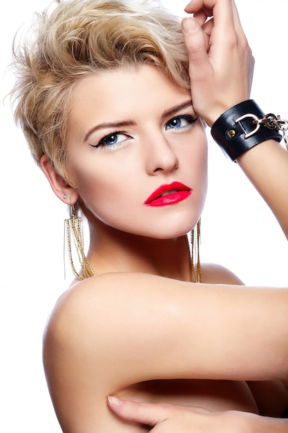 Free Photo Blonde Girl With Short Hair And Red Lipstick