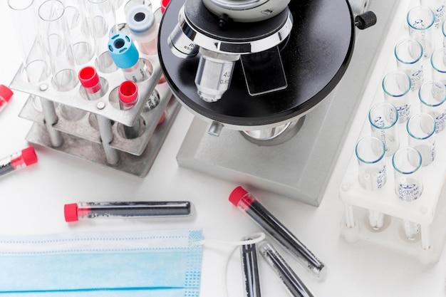 Covid-19 검사 용 혈액 샘플 조성물 프리미엄 사진