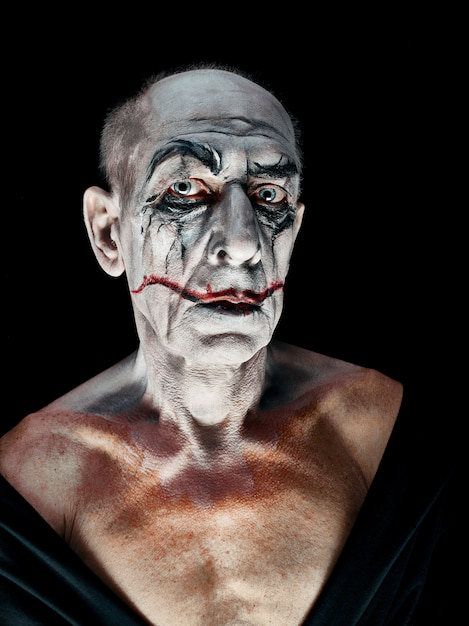 Tema di halloween sanguinante: maniaco pazzo Foto Gratuite