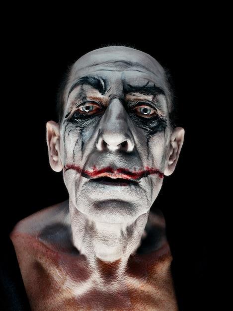 血まみれのハロウィーンのテーマ:狂気のマニアックな顔 無料写真