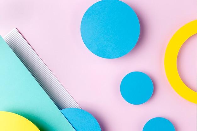 Синие и желтые бумажные круги Premium Фотографии