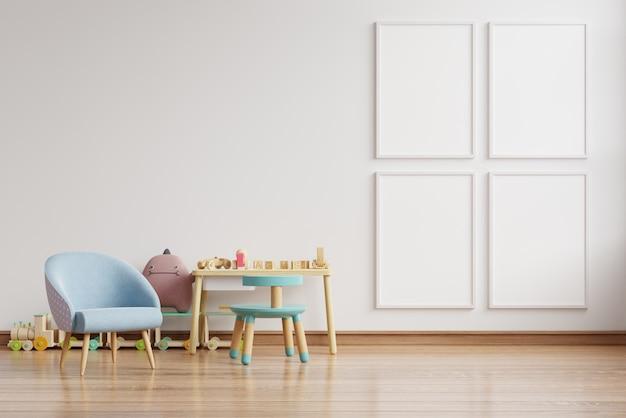 벽에 포스터와 스칸디나비아 아이 방 인테리어에 파란색 안락의 자. 무료 사진