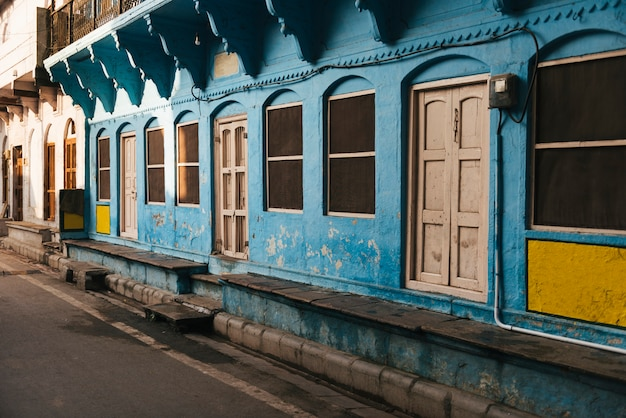 Blue building in a city of varanasi, india Free Photo