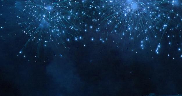 Синий фейерверк Premium Фотографии