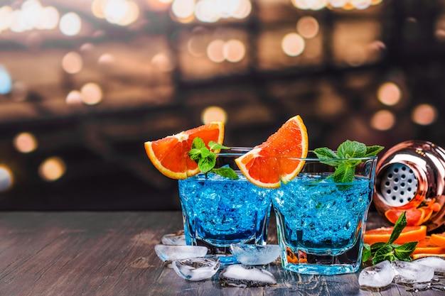 Blue lagoon cocktail Premium Photo
