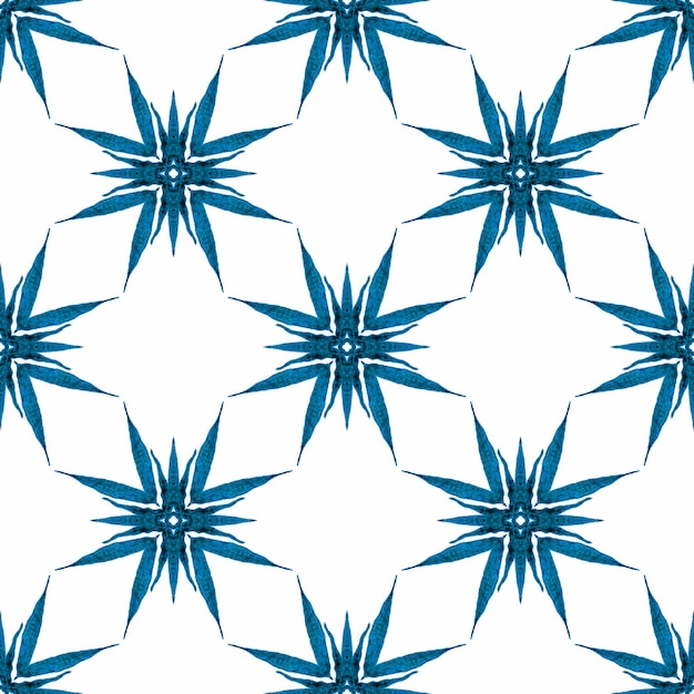 ブルーの注目すべき自由奔放に生きるシックな夏のデザイン。トレンディなオーガニックグリーンボーダー。有機タイル。 Premium写真