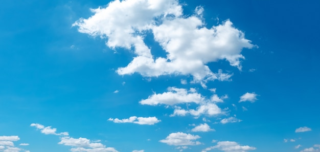 Blue sky and beautiful cloud Premium Photo