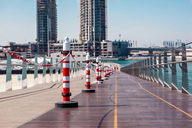 Ремонт мостов на blue waters, дубай Premium Фотографии