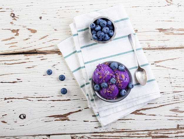 Blueberry ice cream on pewter cup Premium Photo