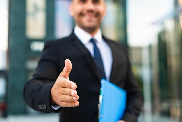 ぼやけた正面図のビジネスマン Premium写真