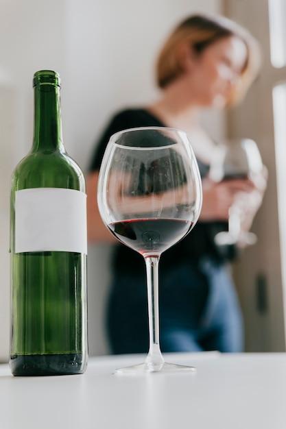 Boire de l'alcool peut causer des ronflements