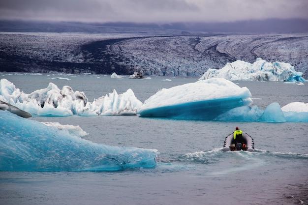 The boat in the glacier Free Photo