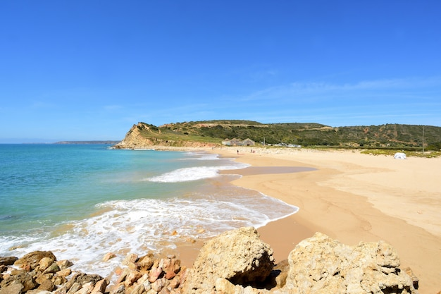 Boca del rio beach,vila do bispo, algarve, portugal Premium Photo