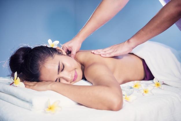 Body care treatment by thai oil massage Premium Photo