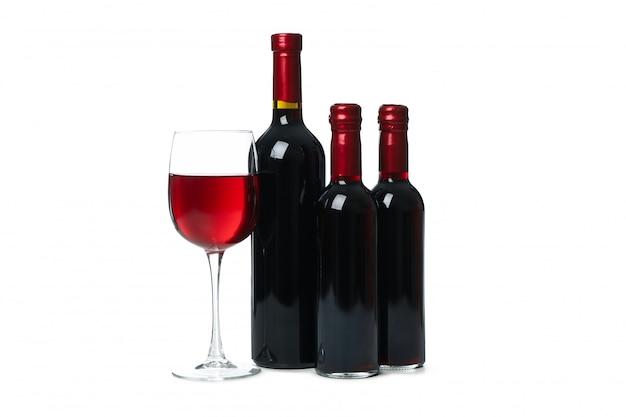 병 및 와인 흰색 배경에 고립의 유리   프리미엄 사진