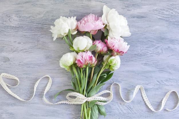 Bouquet of beautiful peonies Premium Photo