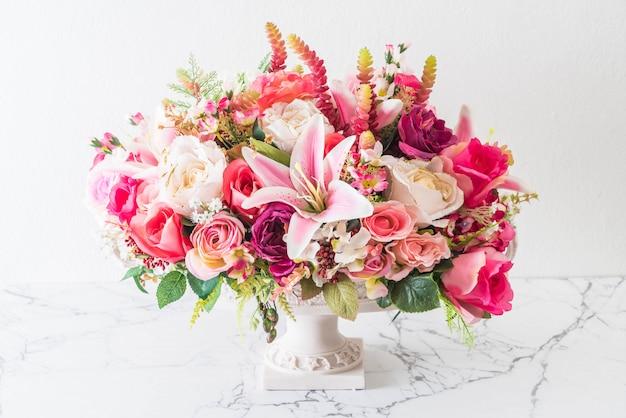 Bouquet Flowers In Vase Photo Premium Download