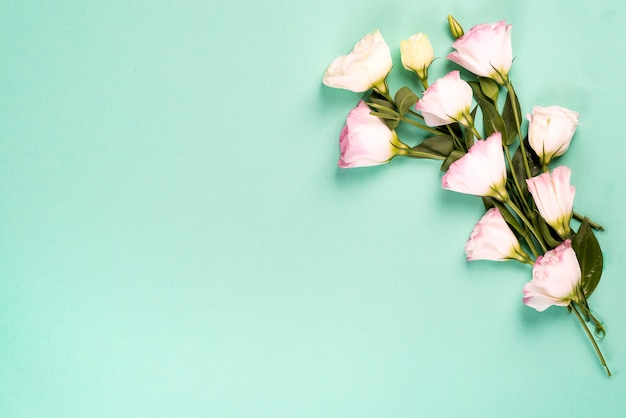 Bouquet of pink eustoma flowers Premium Photo