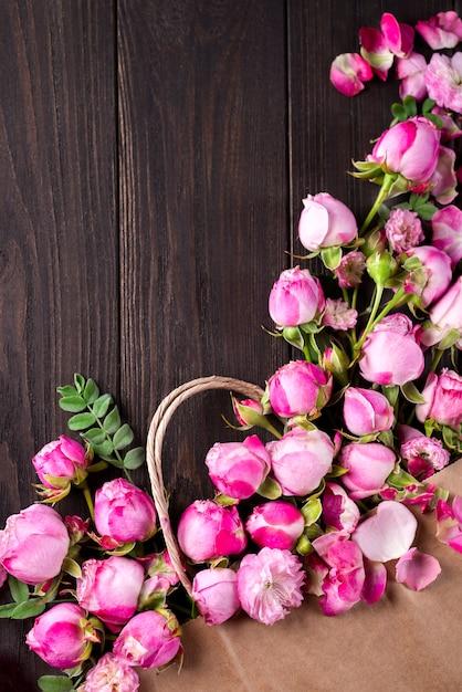 Bouquet of roses Premium Photo