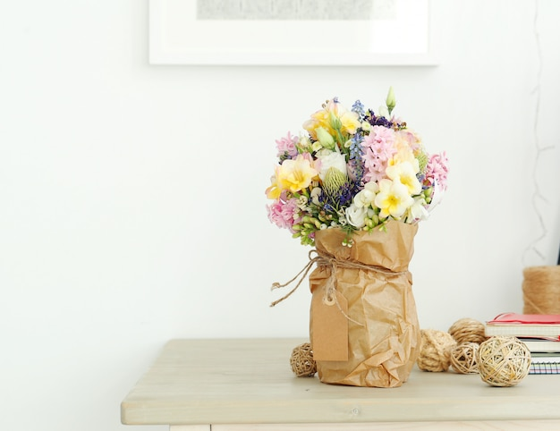 Bouquet on the table Free Photo