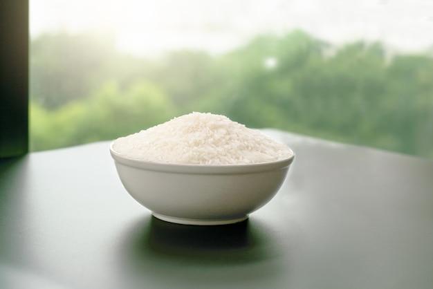Bowl of jasmin white rice Premium Photo