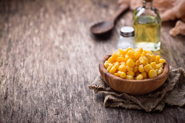 Bowl of  a sweet corn Premium Photo