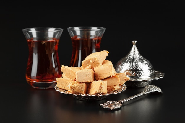 Bowl with pieces of turkish delights Premium Photo
