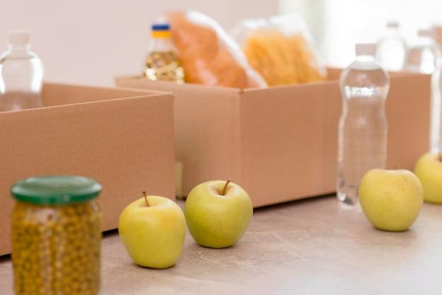 Ящики с едой и провизией для пожертвований Бесплатные Фотографии