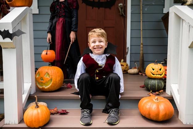 Мальчик в костюме хэллоуина Бесплатные Фотографии