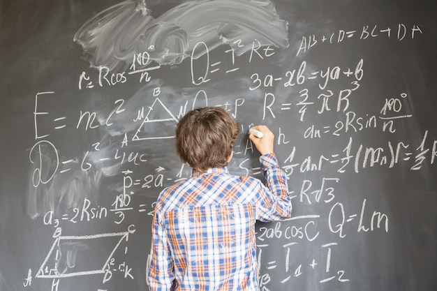 Phát triển kiến thức về khoa học và các kỹ năng khác để giỏi lập trình