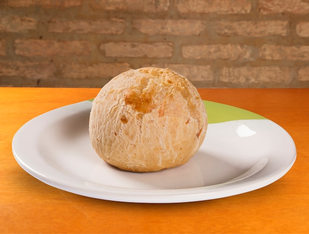 Brazilian cheese buns. pao de queijo. Premium Photo