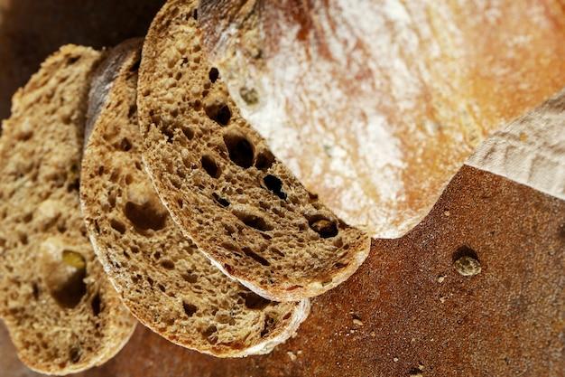 Bread on a cloth Free Photo