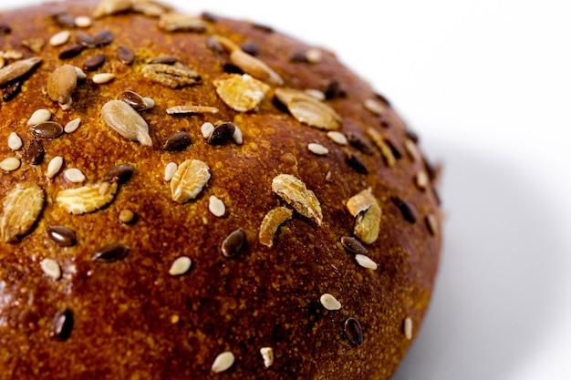 Хлеб, изолированные на белом фоне Premium Фотографии