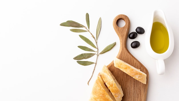 Bread slices with olive oil with copy space Free Photo