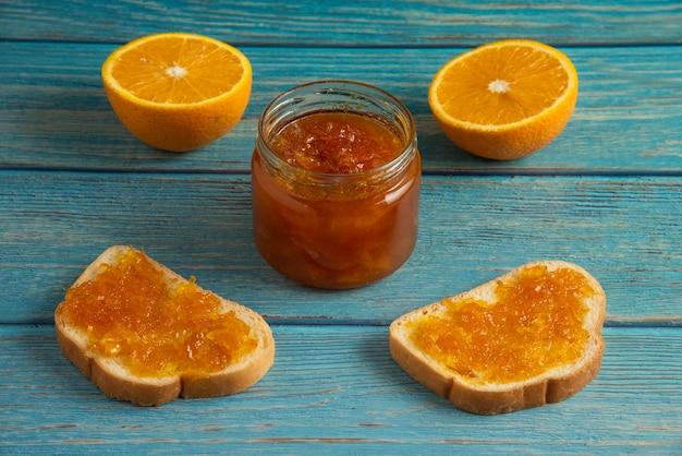 Хлебные гренки с апельсиновым конфитюром. Бесплатные Фотографии