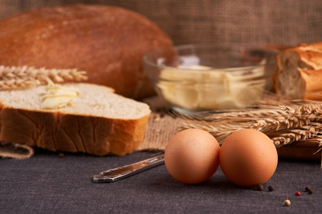 Breads and butter t of teasty home food close up on table Premium Photo