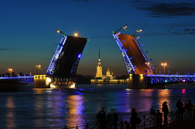 The breeding of the palace bridge. white nights in st. petersburg, russia Premium Photo
