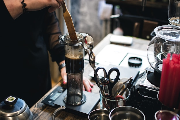 Brewing coffee in aeropress Free Photo