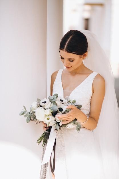 Невеста в день ее свадьбы Бесплатные Фотографии