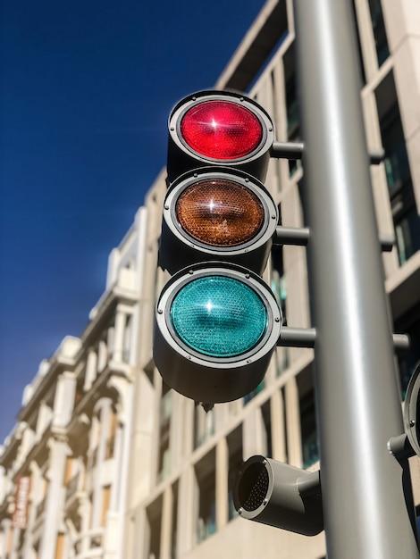 市内中心部の明るい信号 Premium写真