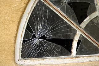 Broken window, window Free Photo