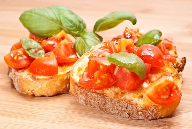 Bruschette, italian appetizer Premium Photo