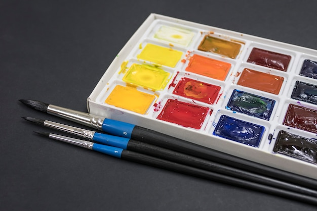 ブラシと塗料 Premium写真