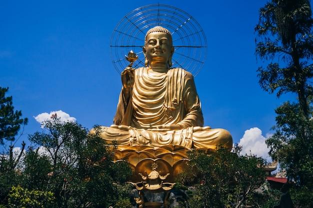 Buddha sculpture in vietnam Premium Photo