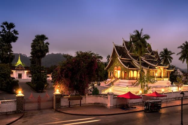 Buddha statue hall in luang prabang, laos Premium Photo
